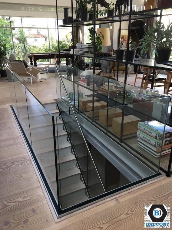 atrium frameless internal balustrade by Balcony Installations
