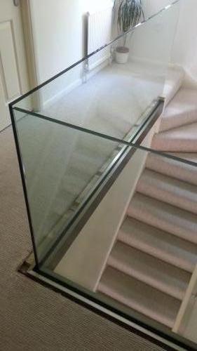 Landing frameless glass balustrade