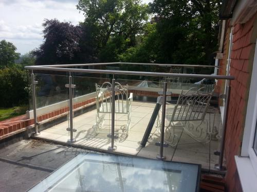 glass balustrade frameless and modular
